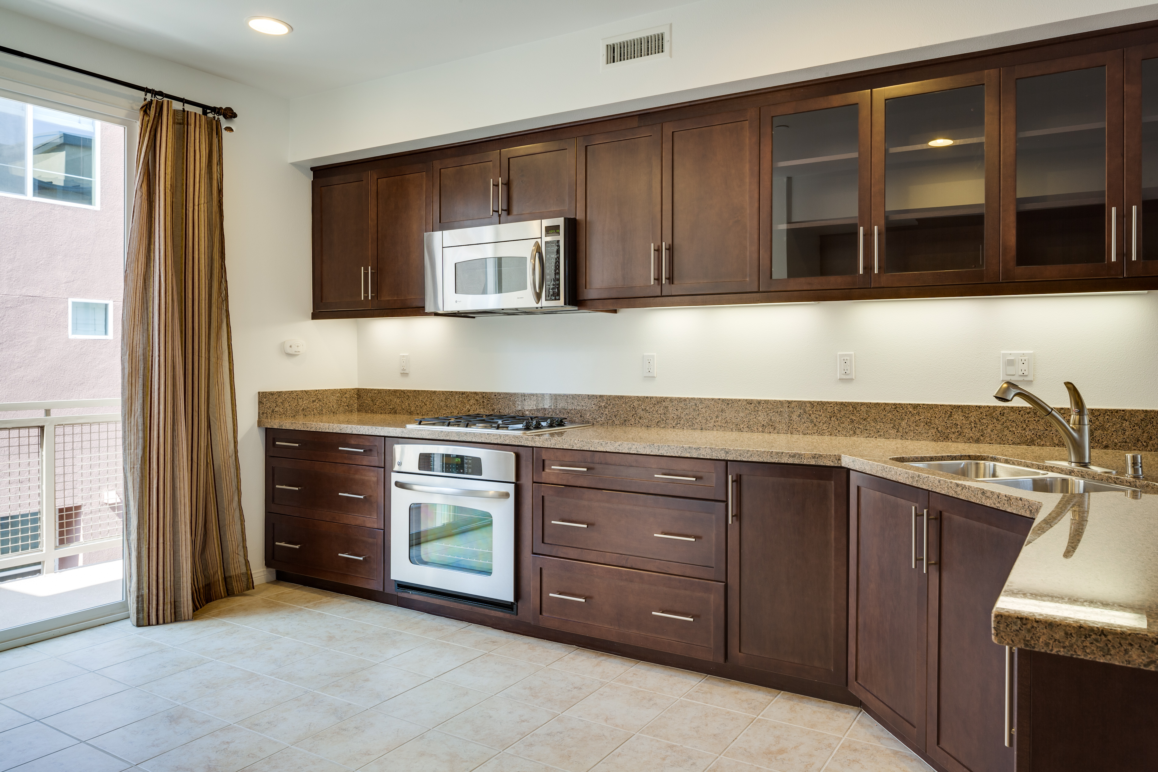 583 Rockefeller, The Sousse Group, Luxury Irvine Condos for Sale